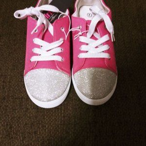 Girl's Fashion Sneaker NWT Size 2